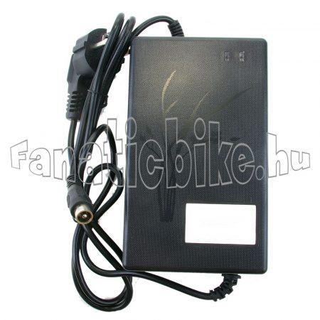 Akkumulátor töltő 36V (2 érintkezős O )